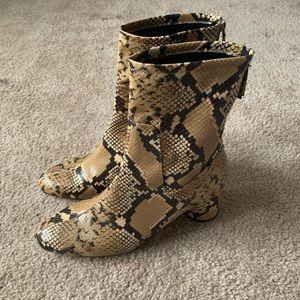 NWOT Zara Brown Snakeskin Faux Leather Booties